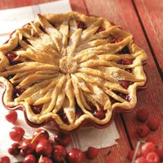 Or a lovely flower made of crust strips. pies crusts, pie crusts, bake, food, decorating ideas, crust strip, beautiful pies, flower, dessert