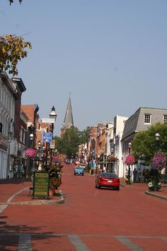 Town Road - Annapolis, Maryland  Annapolis is so much fun and great food!...I love it!