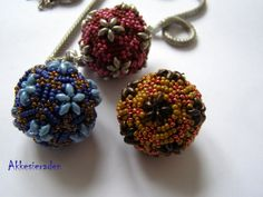 *P Tutorial Beaded Bead/ beaded ball Pentagon with superduo's. €5.00, via Etsy.