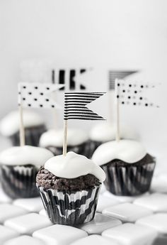cupcakes, food, company picnic, tape flag, black white, craft gifts, washi tape, cupcake toppers, parti