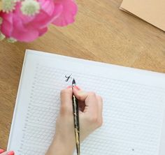 How to Learn Calligraphy in 5 Days - Learn the calligraphy alphabet, one letter at a time
