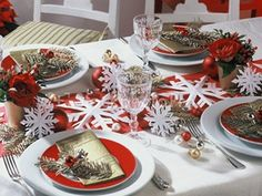 christmas-table-decoration-snowflakes-new-years-eve