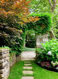 Brookline garden , MA.  Sudbury Design Group.