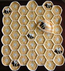 cute cute :) ....   Honey Bee Blanket Pattern and Hat  ... #inspiration_crochet #diy GB ...