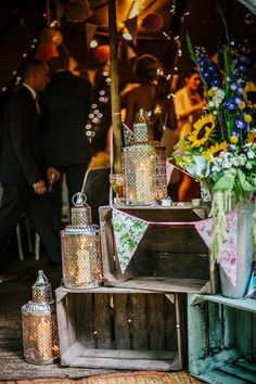 rustic crates and lanterns wedding decoration