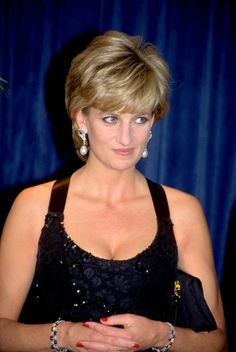 Princess Diana. (photo by Newsmakers) lady di, style, diana hairstyl, peopl princess, princesses, princess diana, earring, ladi diana, diana princess