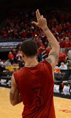 Put your L's up! Louisville Cardinals