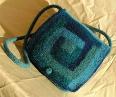ADORE this log cabin quilt-patterned bag in the moodiest of blues!