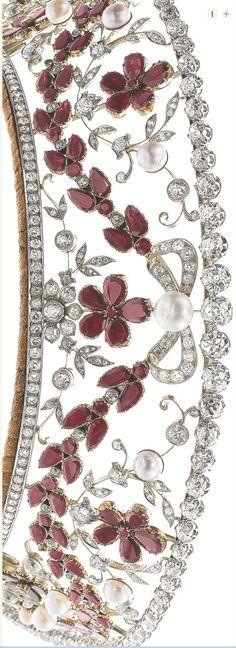 Close-up Rosenborg tiara. Image Sotheby's  http://www.sothebys.com/en/auctions/ecatalogue/2014/magnificent-jewels-noble-jewels-ge1402/lot.450.html