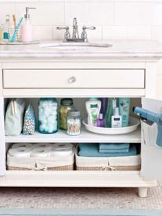 """16 Ways to Fake a Clean Home — Fast   Cleaning Guide - Yahoo Shine How long did they say this """"fast cleaning"""" would take?"""