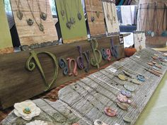 Displaying jewelry on wood