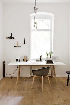 workspace styling by Sarah from Coco Lapine Design