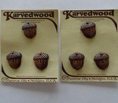 ButtonArtMuseum.com - Vintage 1930s Burwood Buckle Acorns Oak Leaves 6 Buttons Original Cards