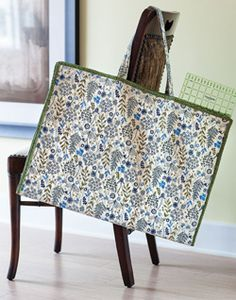The mat & ruler tote is from is a quilted tote bag featred in Easy Quilts Fall 2013. Made by Cindy Hathaway.