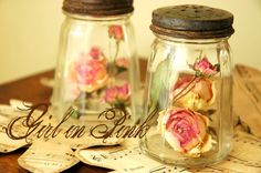 shakers with roses
