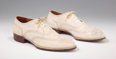 White leather shoes were a staple of men's summer fashion throughout the 1930s, this pair was made by Hill & Novis in 1935.