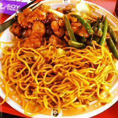 Orange chicken, string beans & chow mein