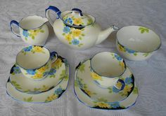 English - Royal Albert Crown China Tea For Two Set for sale in Brits (ID:136460837)