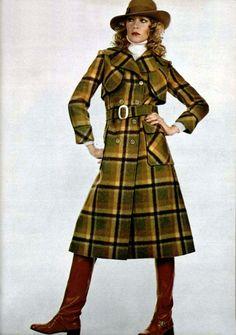 Péroche check coat L'Officiel magazine 1971
