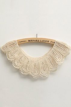lace trim bib collar