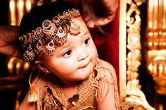 Check out Hyrah's #headdress made of diamonds and rubies! #baby