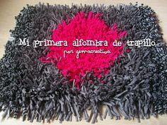 Mi primera alfombra hecha con trapillo. - #diy #manualidades #trapillo #alfombra #rug #carpet #tirelas #totora