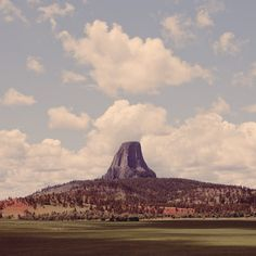 Devils Tower, Wyoming. play the five tones