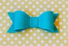 Felt Bow Tutorial felt bow, bow tutorial, tree decorations, hair clips, blue, bow ties, hair bows, blog, sewing patterns