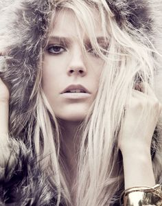 Atelier Management - Photographers - Dean Isidro - Fashion 01