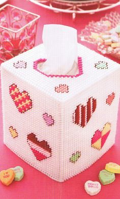 Plastic Canvas Bookmark Patterns | HEARTS - Cute & Happy Tissue Box Cover - PLASTIC CANVAS Pattern