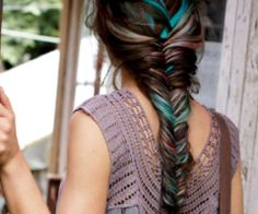 Oh my, I'd love streaks of turquoise in my grey hair. This would be awesomesauce.