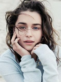 beauty look l emilia clarke.