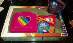 Convert cereal boxes into meal/snack trays when traveling with kids. Clever! Less mess in the car.