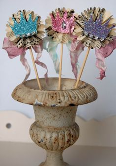 glittery crown cupcake picks