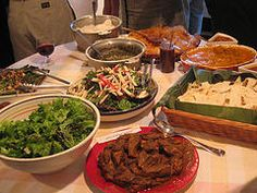 How to Bring Food to a Potluck Dinner in 9 Steps