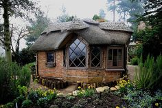 Thatch Summer-House @ Charlecote Park Estate NT by Nala Rewop on Flickr.