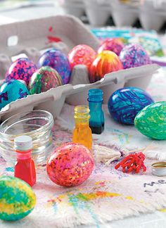 A fun way to decorate eggs rather than just soaking.