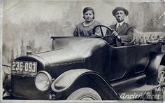 What a cool Italian. Photo of Giovanni Clementoni dressed up in his car taken in a photo studio in New York circa 1920. Details: http://www.ancientfaces.com/photo/giovanni-clementoni-new-york/1260060