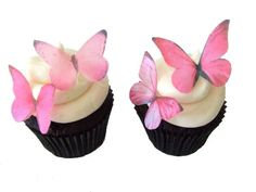 Cute edible cake decisions.  Etsy listing at http://www.etsy.com/listing/79127285/edible-paper-butterflies-in-24-prettiest