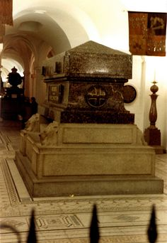 The Duke of Wellington's Tomb, St Paul's Cathedral, London, England - Great military leader and Prime Minister (1769-1852).