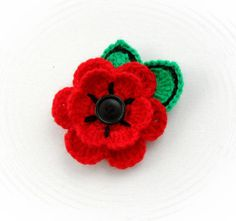 HAND-CROCHET-BROOCH-APPLIQUE-RED-FLOWER-POPPY-FLOWER-WITH-BUTTON
