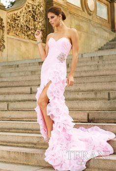 a prom dress?? too pretty