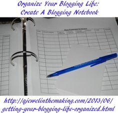 Make a blogging binder with free printables