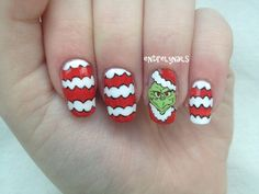 Who wouldn't want the Grinch on your nails? art galleri, entirelynail christma, nailart, grinch nail, colorful nails, christma grinch, nail arts, nail design, christma nail