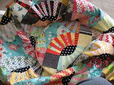 need to make a pickle dish quilt! love this one!