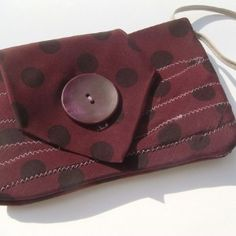 Another necktie pouch.