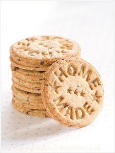 Stamped Hazelnut Cookies. #food #cookies
