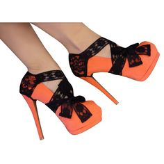 OMG I love these! I want to make them! What a great way to make your old heels look like a whole new pair of shoes!