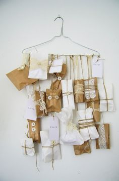 holiday, christmas countdown, idea, craft, clothes hangers, paper bags, diy tutorial, old suitcases, advent calendars