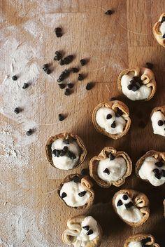 Mini Cannoli Bites by passthesushi. Recipe by Pillsbury #Canoli #MIni